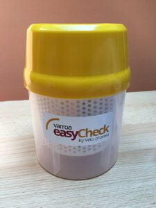 Varroa monitoring pomocí easy Check